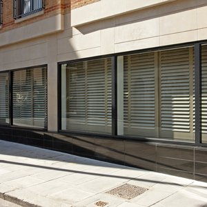 restaurant-leather-shutters-london
