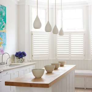 Tnesc Manhattan painted cafe style kitchen shutters