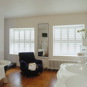 interior-bathroom-shutters