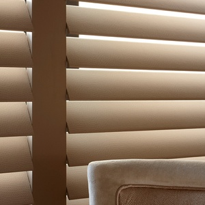Manhattan shutters Full height 89 mm blades Taupe Faux leather