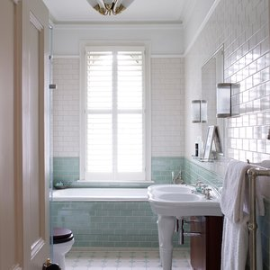 wooden-bathroom-shutters