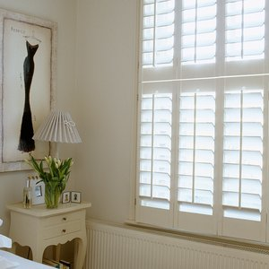 bedroom-white-shutters