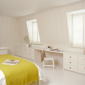 bedroom-plantation-shutters