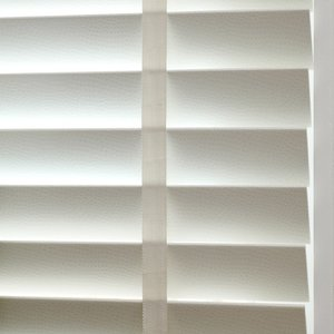 white-bathroom-blinds