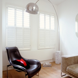 Tnesc Soho painted Tier on Tier living-room shutters 89mm