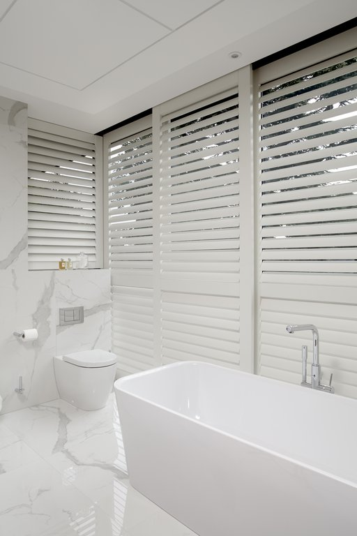 luxury-bathroom-shutters