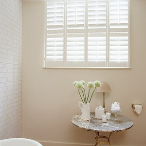 plantation-bathroom-shutters