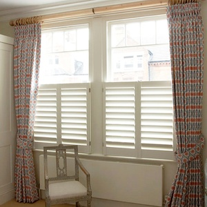 Tnesc Manhattan painted Cafe Style Bedroom shutters 89mm