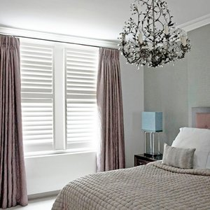 bedroom-shutters-curtains