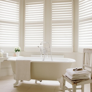 Tnesc_Manhattan-Painted-Full-Height-midrail-bathroom-shutters_89mm