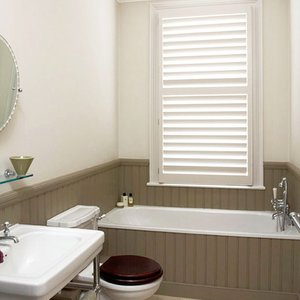 wooden-shutters-bathroom