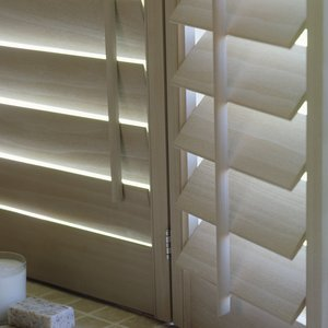 sandblasted_plantation_london_shutters