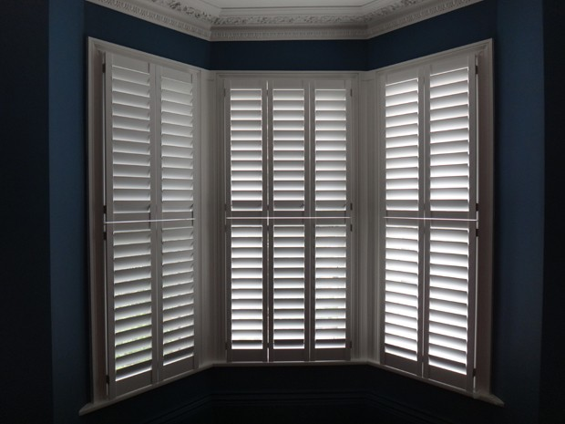 Manhattan shutters by TNESC, Tier on Tier, 89mm blade, painted white
