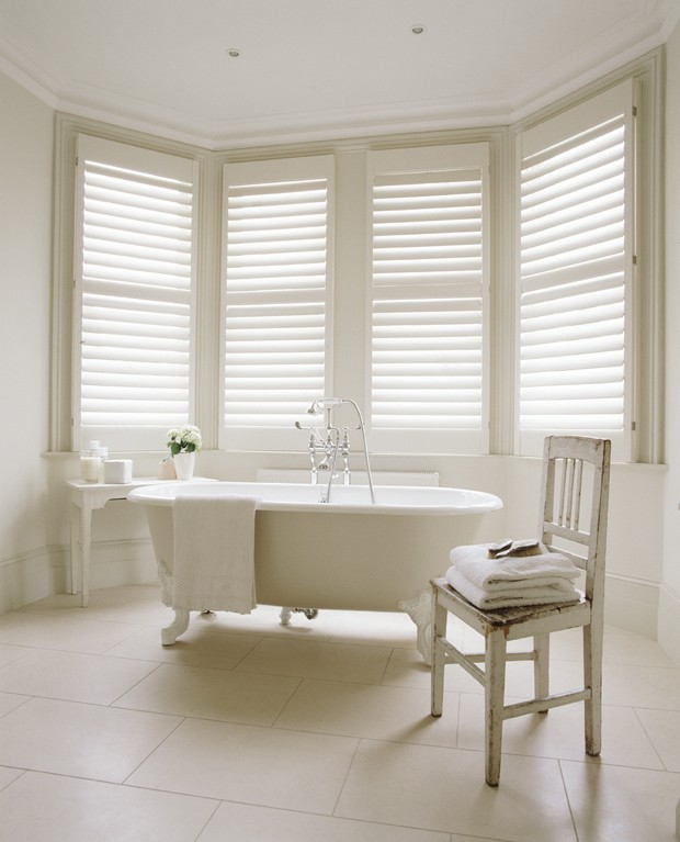 Manhattan design, full height shutters